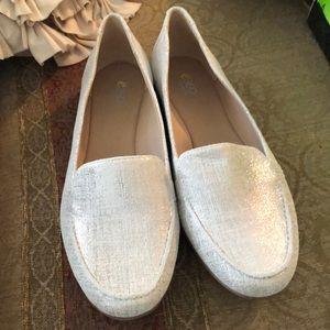 Easy spirit sliver loafer size 9